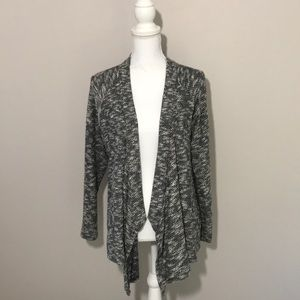 Two by Vince Camuto tweed black white cardigan